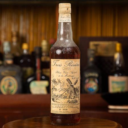 TROIS RIVIERES - Millésime 1977 - N° 00298 - Vintage Rum - 45° - 70cl