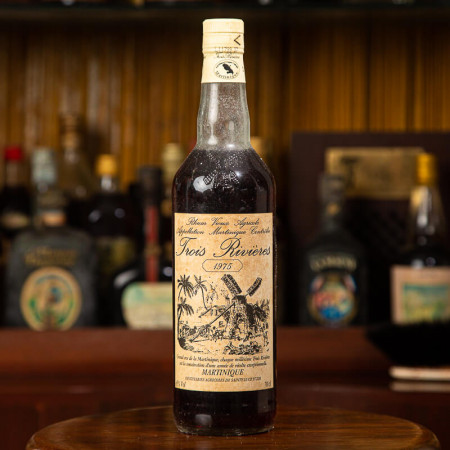 TROIS RIVIERES - Millésime 1975 - Vintage Rum - 45° - 70cl