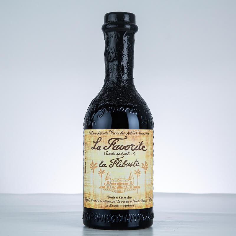 LA FAVORITE - La Flibuste - 1999 - Rhum hors d'âge - 40° - 70cl